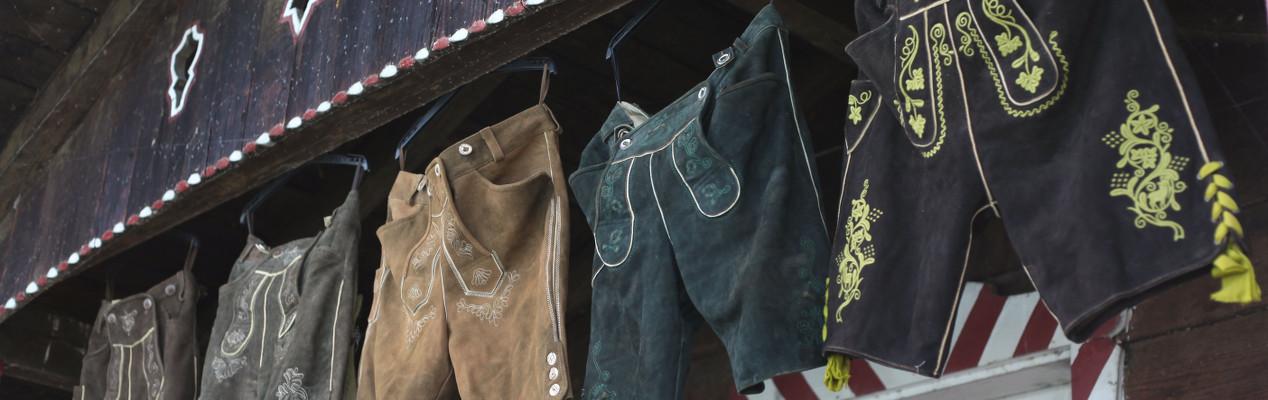 Der Lederhosenverleih in München / Lederhosen rental